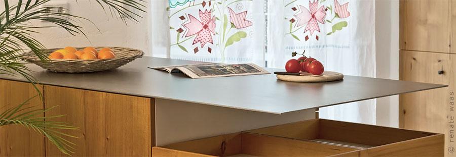 wir renovieren ihre k che kuechenarbeitsplatten. Black Bedroom Furniture Sets. Home Design Ideas