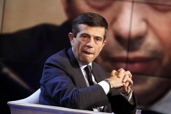 """MINISTRO LUPI OSPITE DI VESPA ANNUNCIA: """"DOMANI MI DIMETTO"""""""