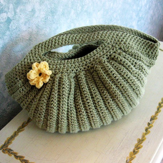 Crochet Purse : crochet+purse+pattern+pleated+clam+shell+shape+with+flower+trim+pdf ...