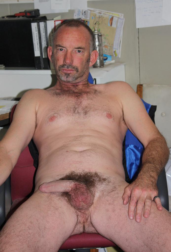 naked pregnant woman gif
