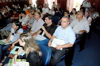 O evento reúne diversas autoridades competentes no assunto, entre elas o secretário municipal de Meio Ambiente, André de Mello,o assessor Raimundo Lopes e o presidente da Câmara Municipal de Vereadores,Mauricio Lopes