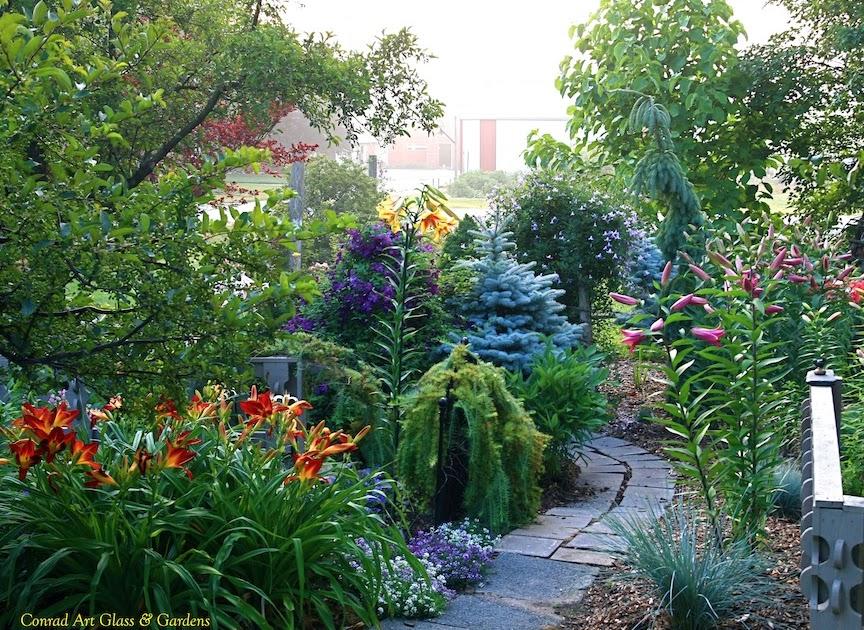 Conrad Art Glass Amp Gardens The Long View Post 3