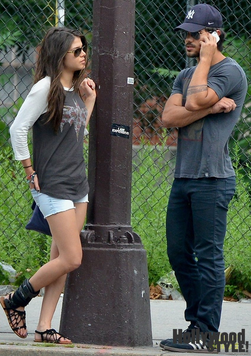 Taylor Lautner And Mar...