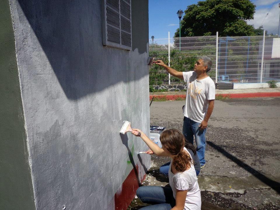 Pintando la caseta