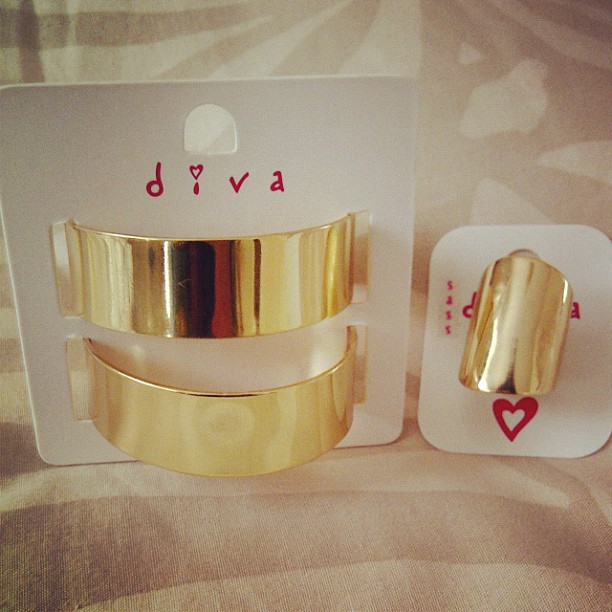 sass diva gold double cuffs