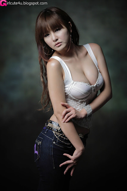 Ryu-Ji-Hye-Lace-Corset-Camisole-05-very cute asian girl-girlcute4u.blogspot.com