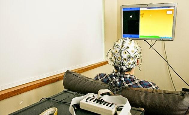 التواصل عبر دماغين بشريين عن طريق الإنترنيت قد يصبح ممكنا قريبا !
