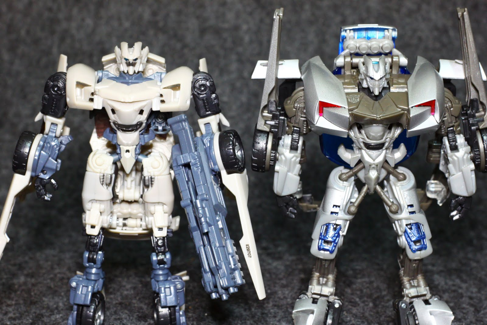Collectibles Of Joy: DOTM Deluxe Mech-Tech Sideswipe
