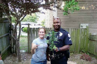 funny picture american police with weed