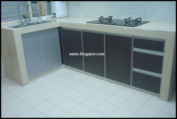 M a m a a d a m kitchen cabinet mama adam for Harga kitchen cabinet 2016