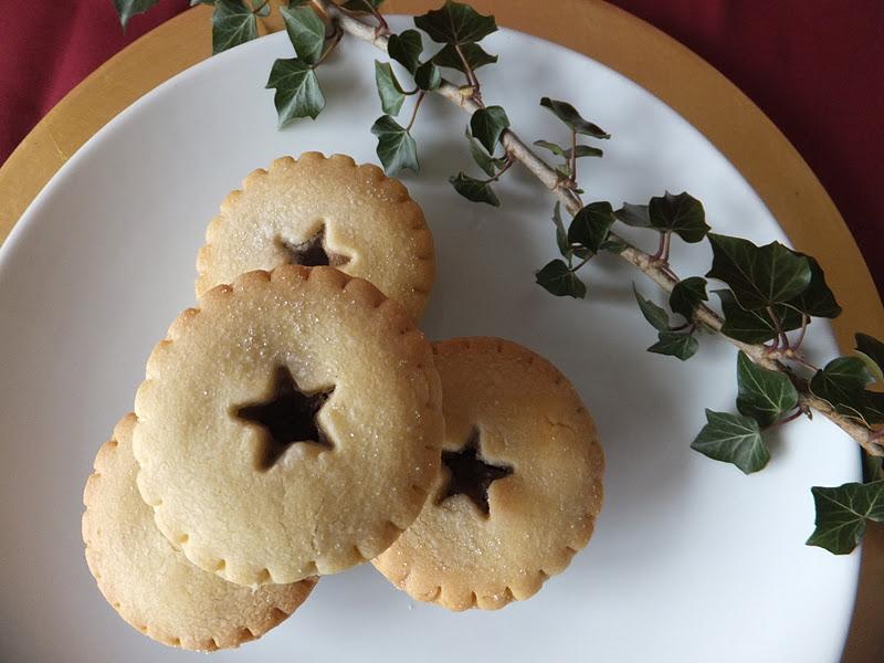 Christmas - The Festive Season: the December Travel Linkup