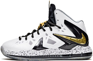 585385-100 White/Metallic Gold-Black-Pure Platinum $180.00
