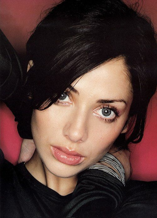Natalie jane imbruglia is an australian singer songwriter model and