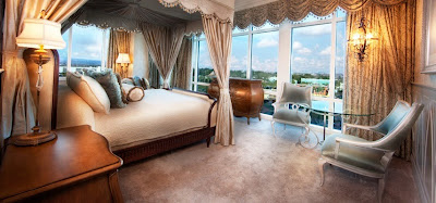 Fairy Tale Suite, Disneyland Hotel (photo from Disneyland Hotel photo gallery)
