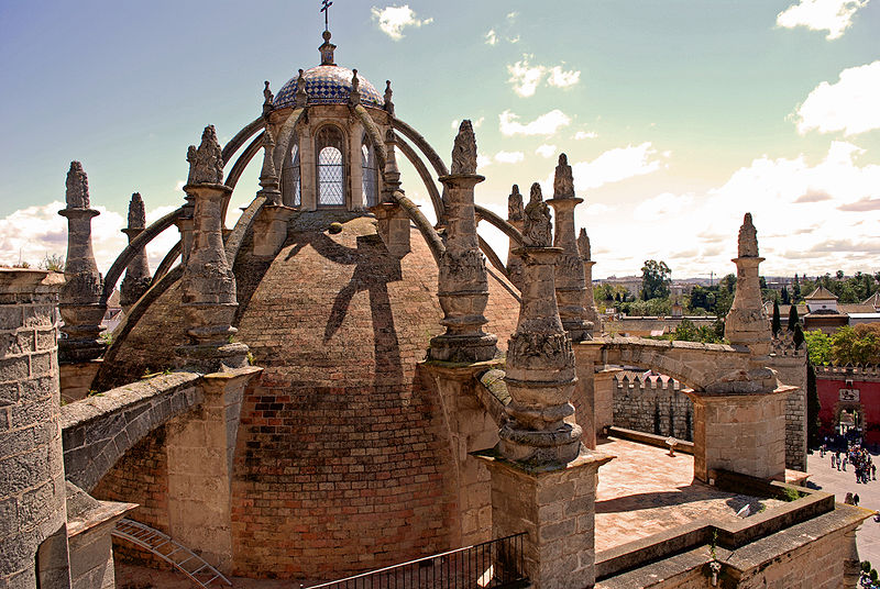 Opiniones y hechos la catedral de sevilla patrimonio de for Exterior catedral de sevilla