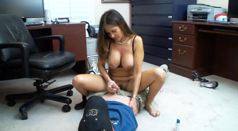 Hot naked moms masturbating