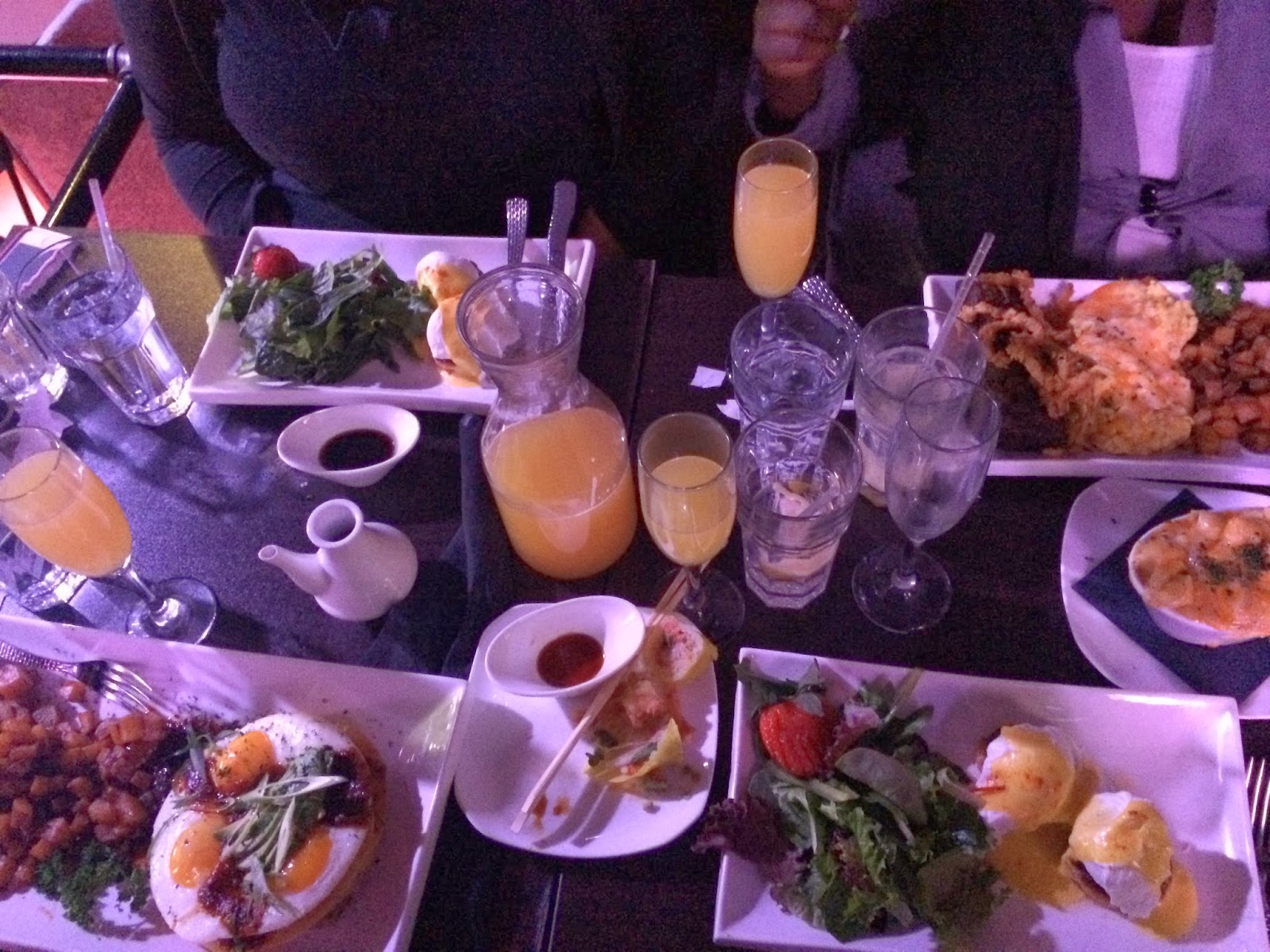 brunch, restaurant review, Harlem, eating fabulously, Christopher Stewart, mimosa,