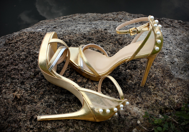 Golden Kingdom - The bare essence of gold is accentuated with a back tad lined with pearls. Femininity is evident that emphasise athletic limb inspired by Greek vigour and sensuality.