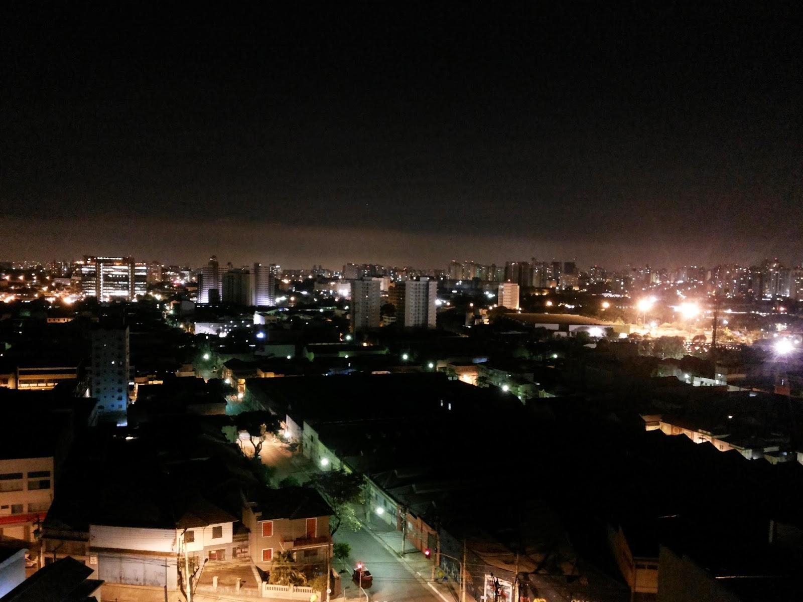 Foto noturna tirada com a câmera do smartphone Samsung Galaxy Gran Duos