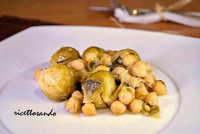 Stufato di cavolini di Bruxelles e ceci ricetta  piatto vegetariano