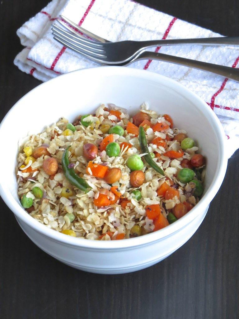 THE MAGIC SAUCEPAN: Chuda Santula | Mixed Vegetable Poha