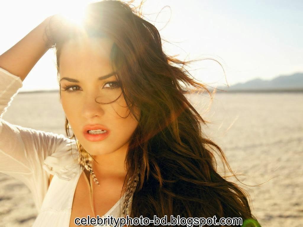 Actress+Demi+Lovato+Photos013
