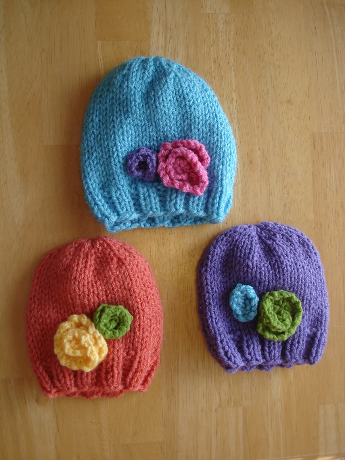 Free Knitting Patterns For Baby Hats Newborns : Fiber Flux: Free Knitting Pattern! Baby In Bloom Hats
