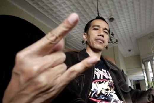 Jokowi, metal (loveindonesia.com)