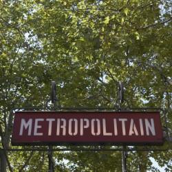 panneau de station de métro parisien