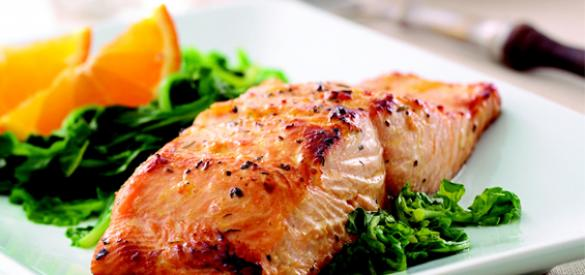 Orange-Glazed Salmon over Sauteed Spinach | Healthy Pregnancy Recipes