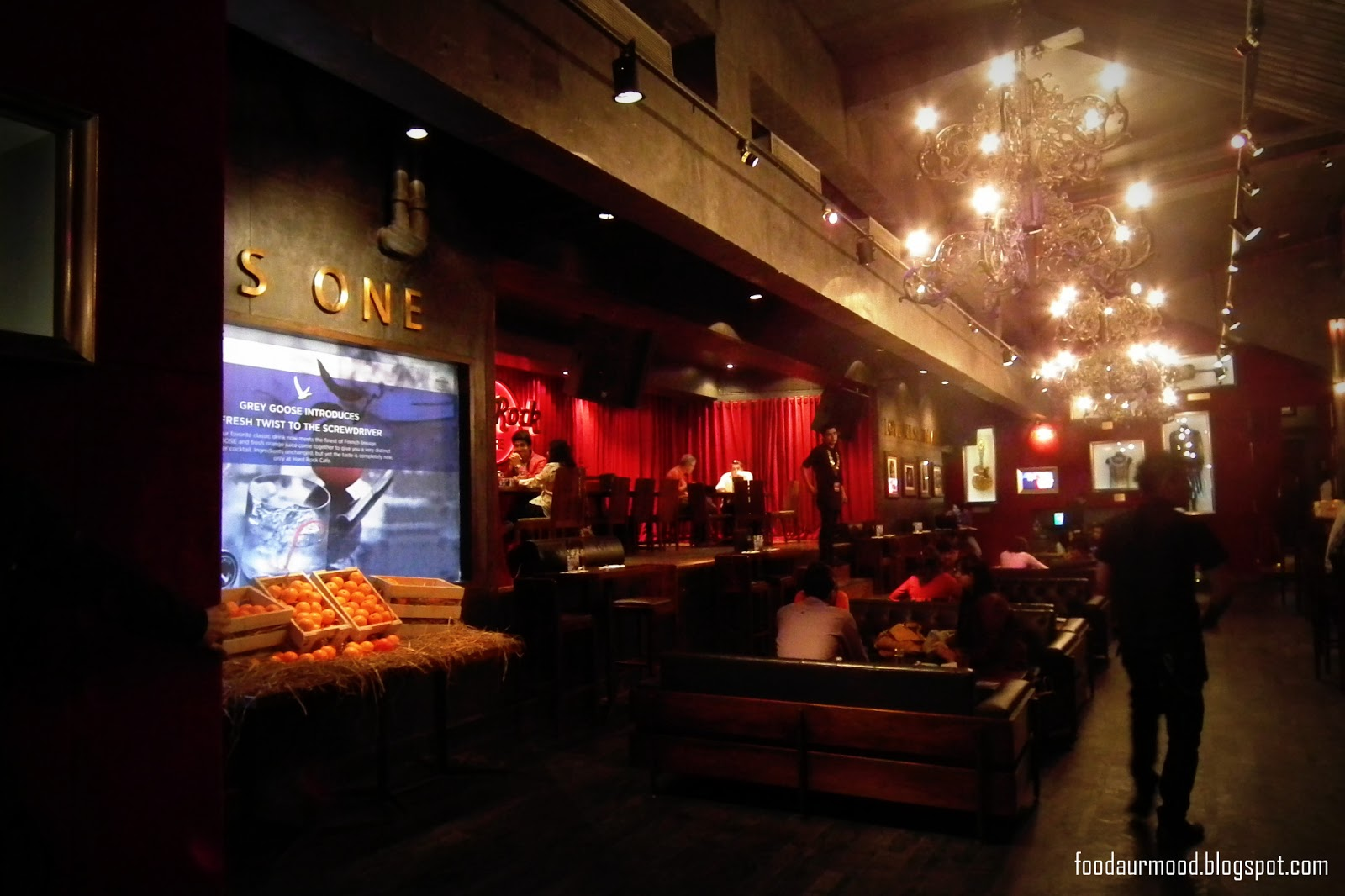 Experience With Burgers At Hard Rock Cafe Food Aur Mood