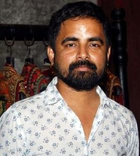 Sabyasachi Mukherjee photo