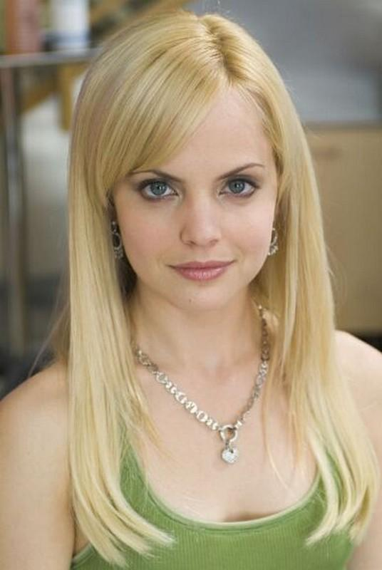 mena divorced singles Mena suvari dating mena suvari net worth is $17 million mena suvari, actress, fashion designer, and model has reached a net worth of $17 million mena suvari has earned her net worth through her acting career in movies and a number of tv series, modeling and her activ.