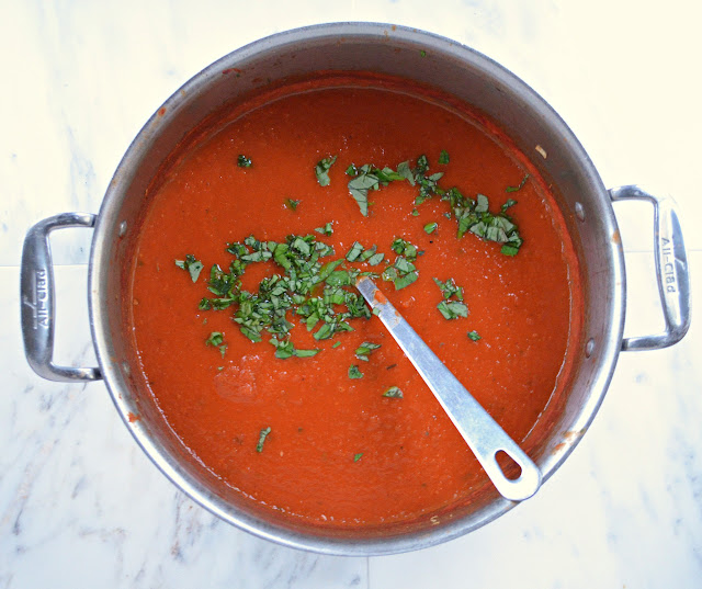 Tomato-Basil-Soup-With-Cheesy-Bread-Basil.jpg