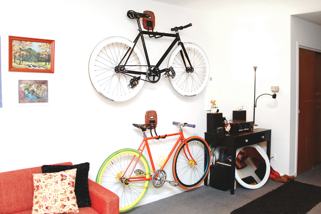 MINI PENNY: Custom DIY Bike Storage.
