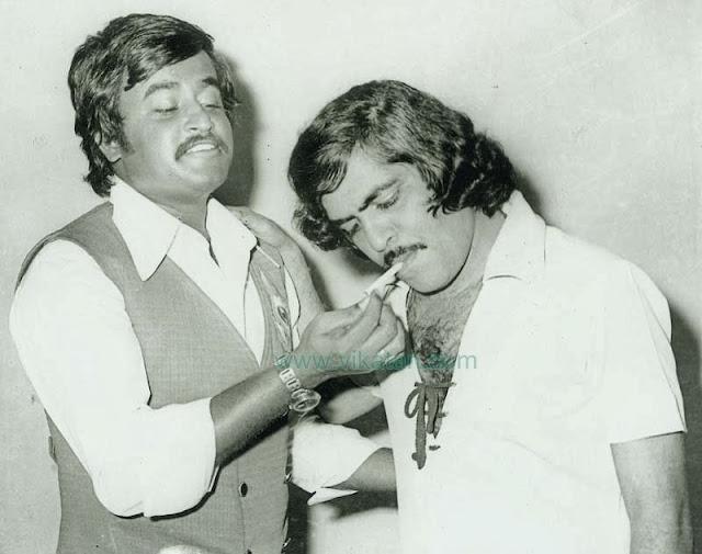 'Thalaivar' Rajinikanth Lighting Actor Srikanth's Cigaratte