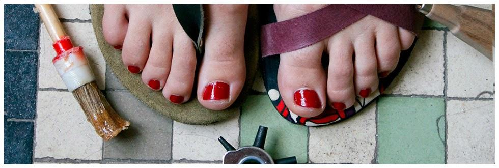 La sandalia roja