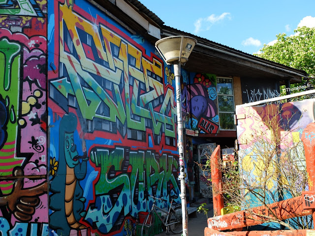 quartier christiania copenhague greenlight district cannabis street art