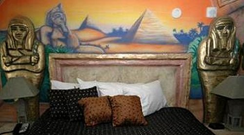 Troadoes egyptian theme bedroom decorating ideas for Egyptian themed bedroom ideas