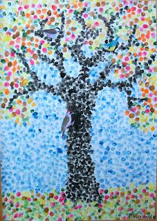 drzewo jesienne z ptakami