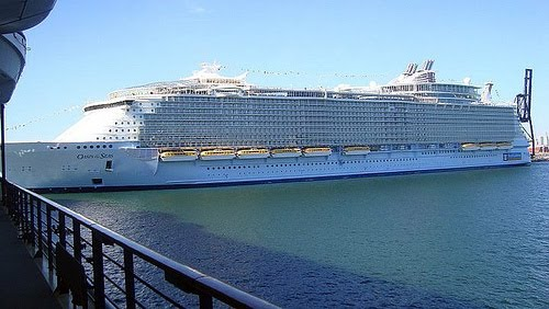 Photo Blog Eight Amazing Largest Cruise Ships In The World - Azura cruise ship wiki