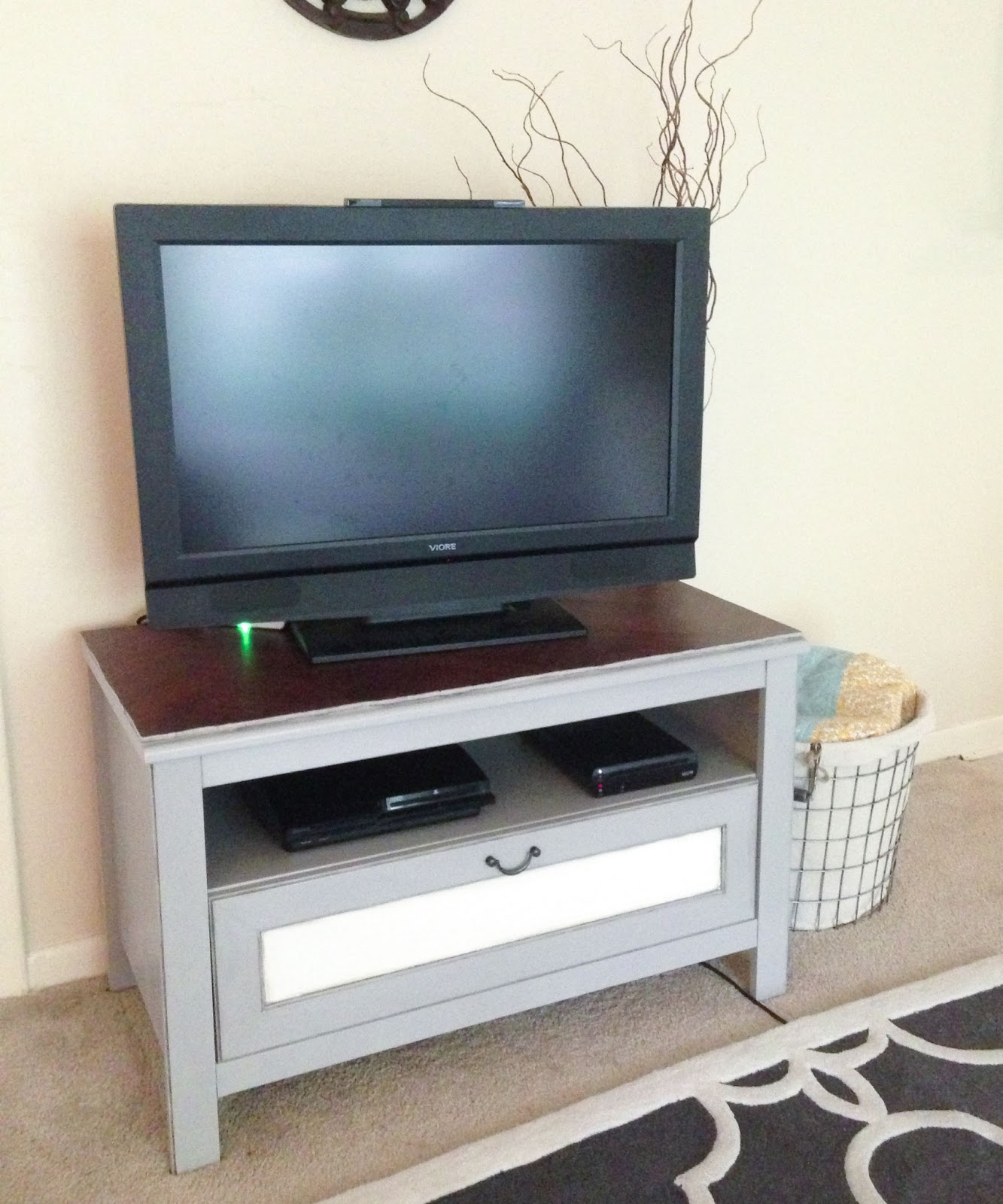 But Table Tv Interesting Full Size Of Living Room Loose Covers  # Meuble Tv Cache Cable