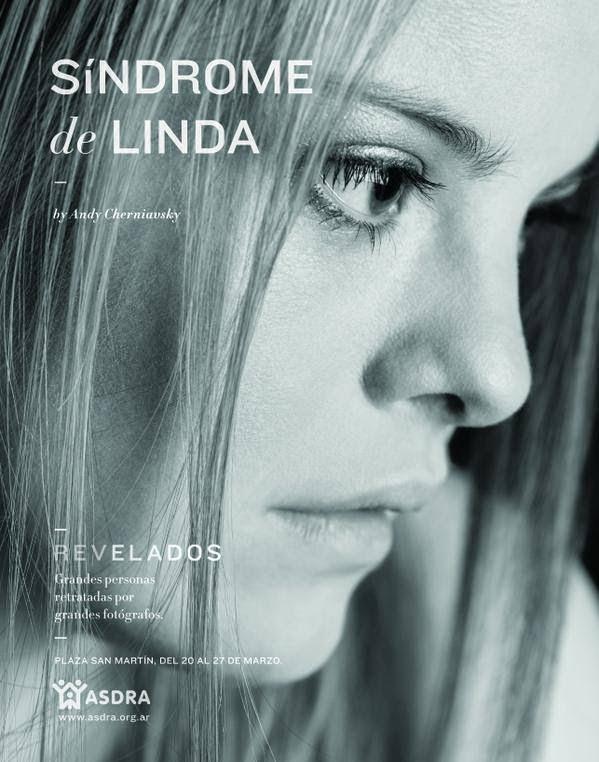 La imagen es un primer plano del perfil del rostro de una joven. En sobre impreso el título de la foto y datos de la campaña.