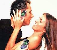 Propaganda do aparelho Nokia 8260 com Malu Mader e Tony Belotto em 1999.