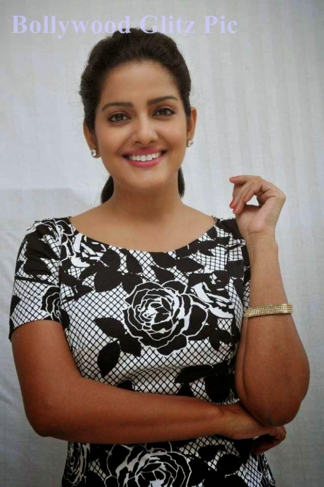 vishakha singh hot upskirt photos