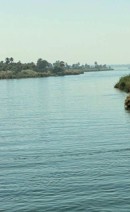 the nile river flows from south to north