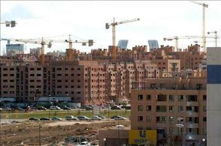 El precio de la vivienda nueva descendio un 7,8% en 2013.