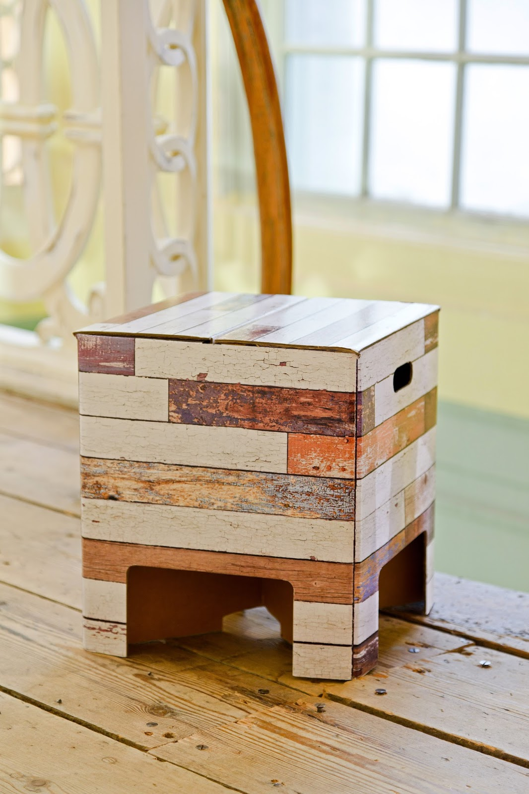 Furniture made of cardboard - a revolution in interior design 38