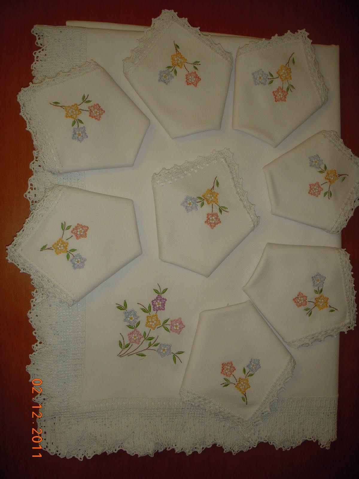 Mis trabajos nieves moreno bordados en manteles - Manteles bordados ...