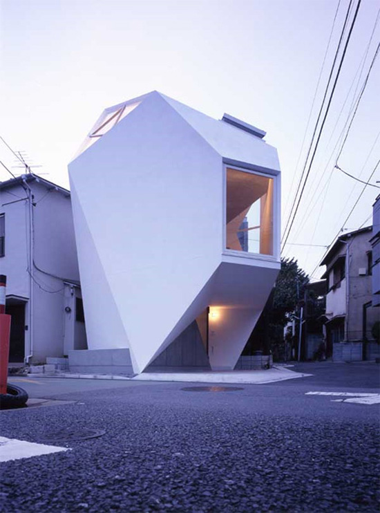 Leadthefree april 2011 for Small japanese house design in tokyo by architect yasuhiro yamashita